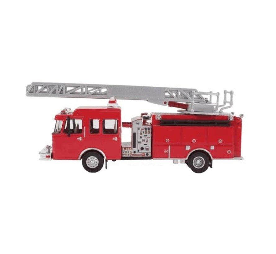 Walthers : HO Heavy-Duty Ladder Truck