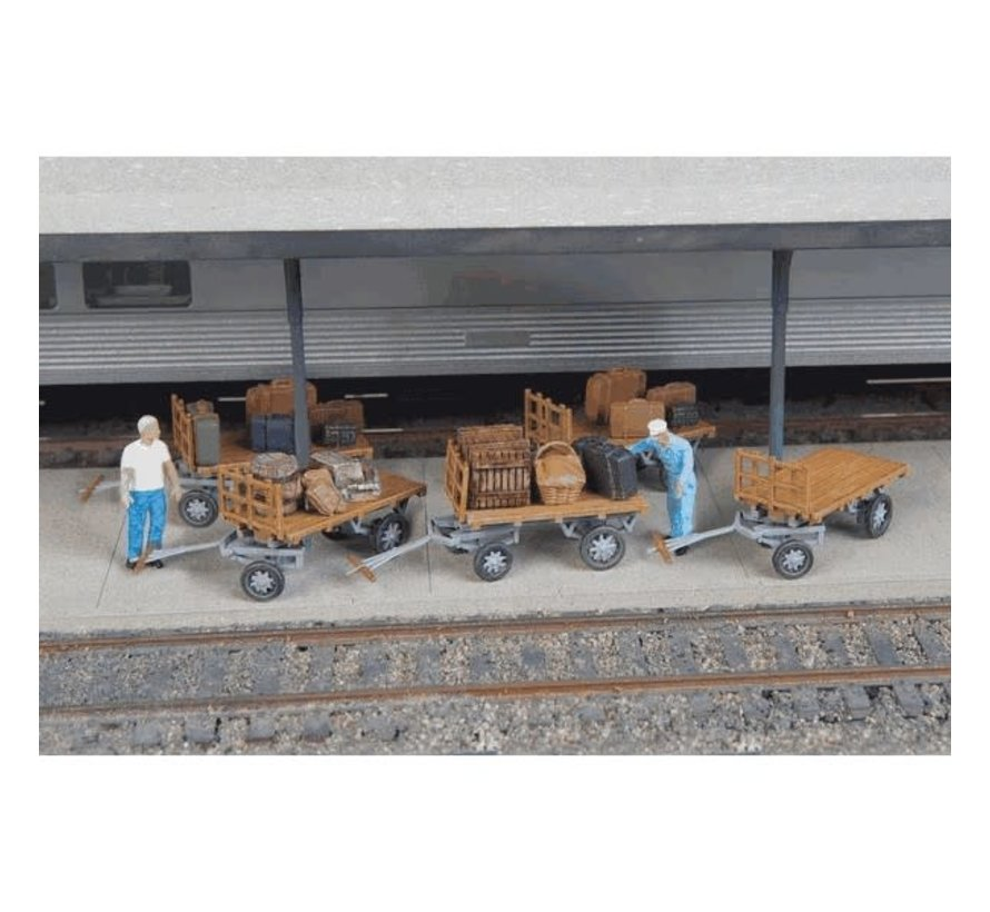 Walthers : HO Baggage Carts /5