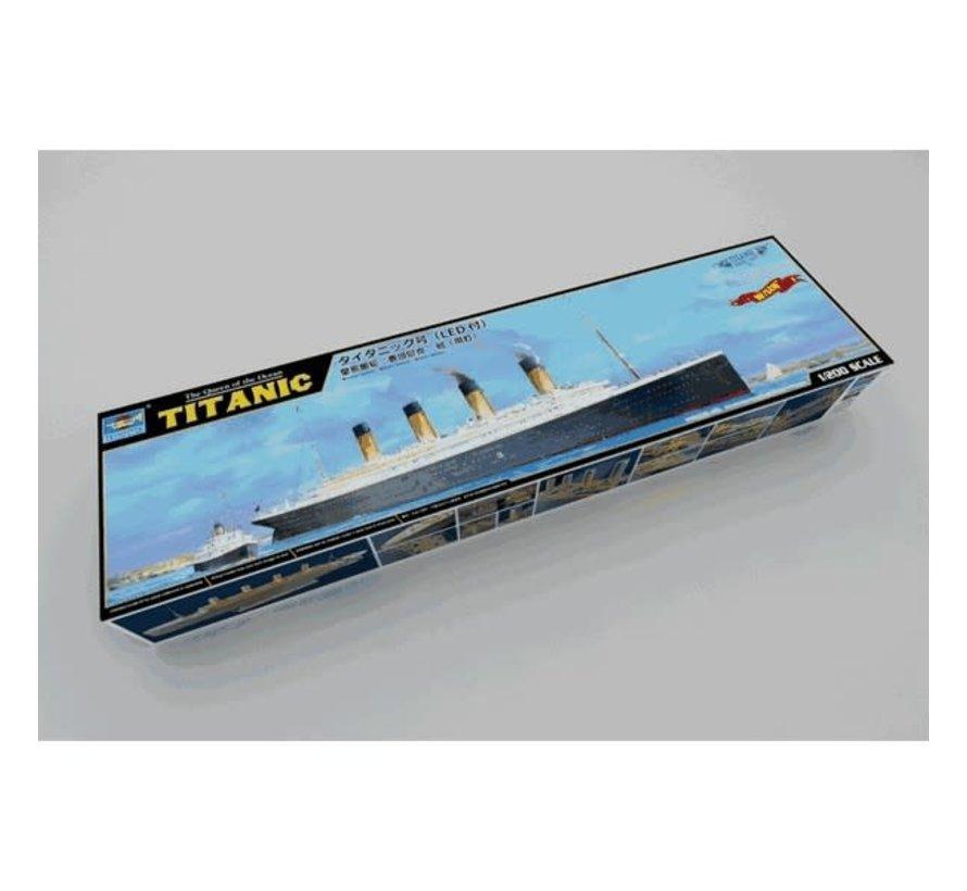 Trumpeter : TITANIC Kit 1/200 w/LED