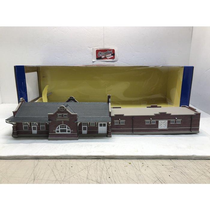 HO Santa Fe Depot Assembled
