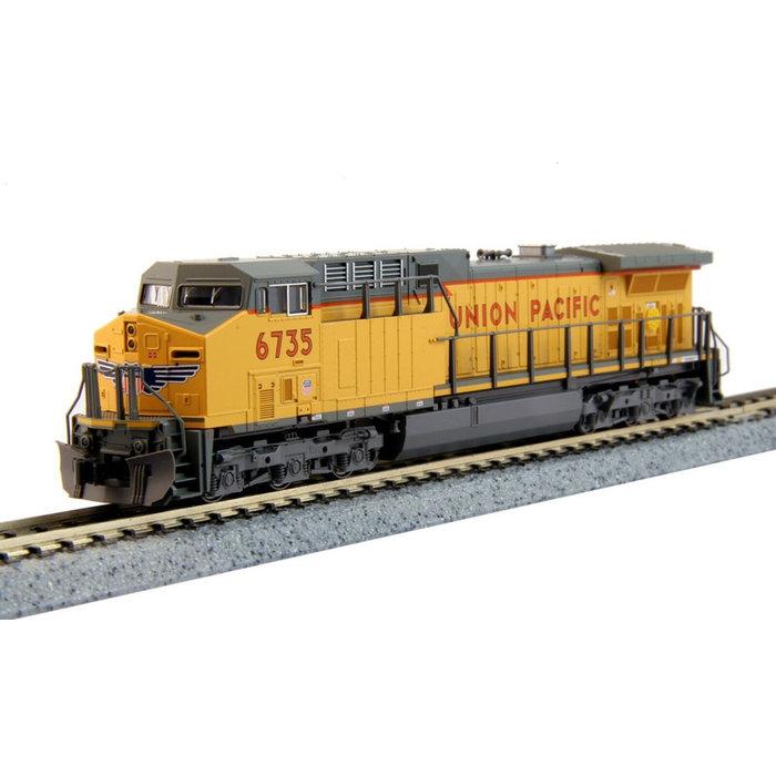 N AC4400CW Diesel UP #6735/Lightning Bolt