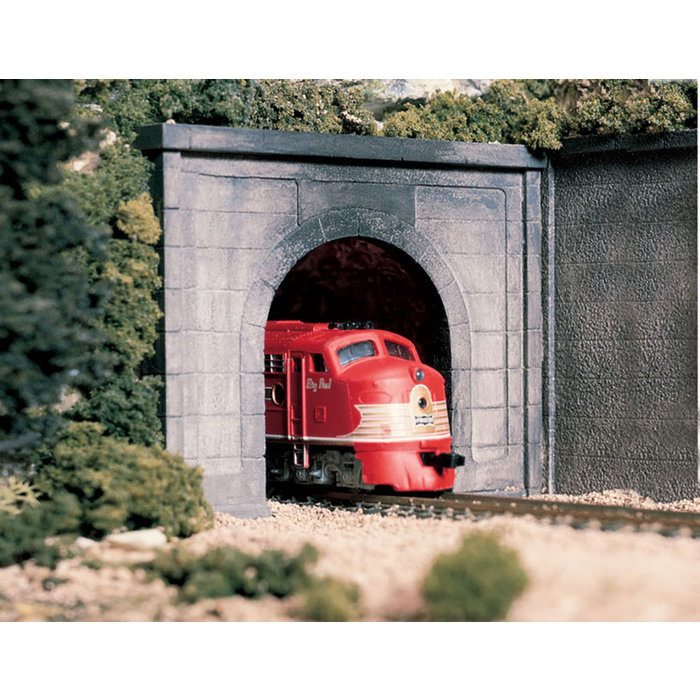 O Concrete Single Tunnel Portal