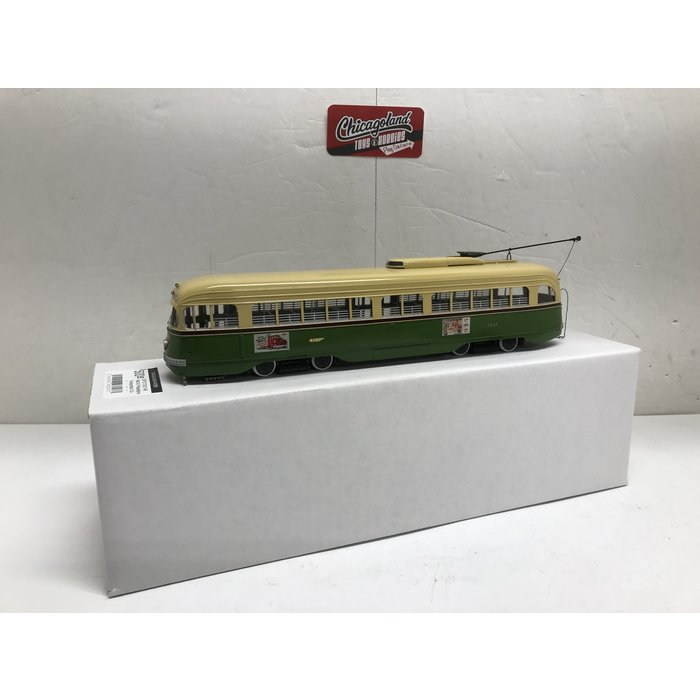St Petersburg Tram Collection #172A-2  1/48 1940/41 Philadelphia Transportation Co. St.-Louis Car Co. PCC 2501-2580 series; A-36 class) - in mid-50s green & cream livery #2527
