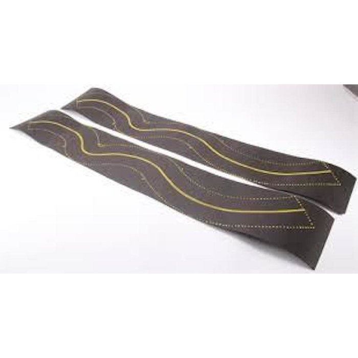 HO Curved Roadway w/Yellow Lines (6ft)