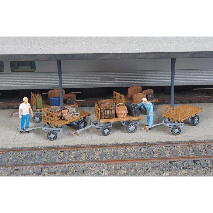 HO Baggage Carts /5