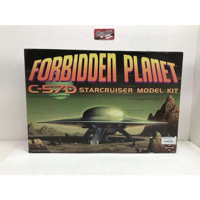 Polar Lights #5098 Forbidden Planet C57D Starcruiser Kit