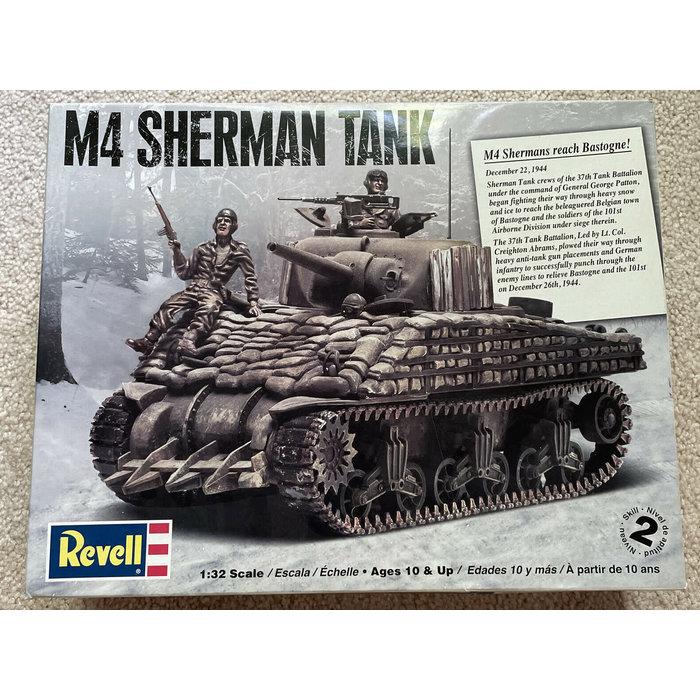 1:32 M4 Sherman Tank