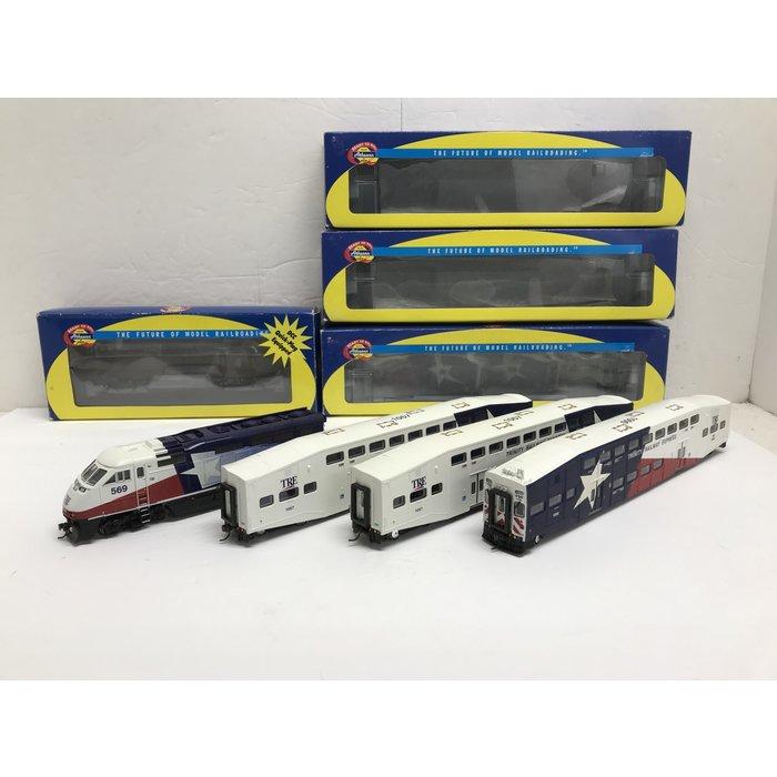 Athearn 2622, 2546 & 2566 (x2) HO TRE F59 & 3 Car Passenger Set