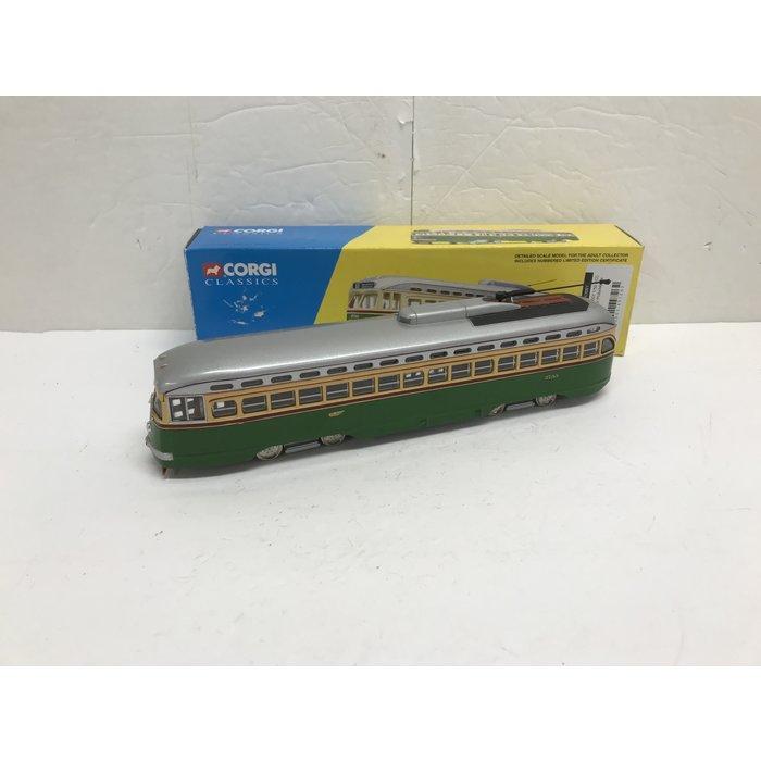 Corgi 55001 1/50 PCC Streetcar Philadelphia #2733