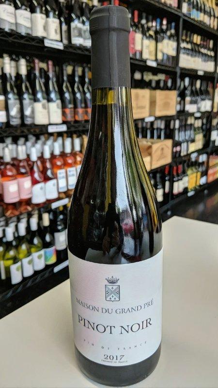 Maison du Grand Pre Maison du Grand Pre Pinot Noir 2017 750ml