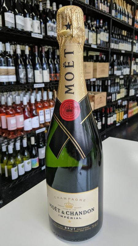 Moet & Chandon Moet & Chandon Imperial Brut Champagne NV 750ml
