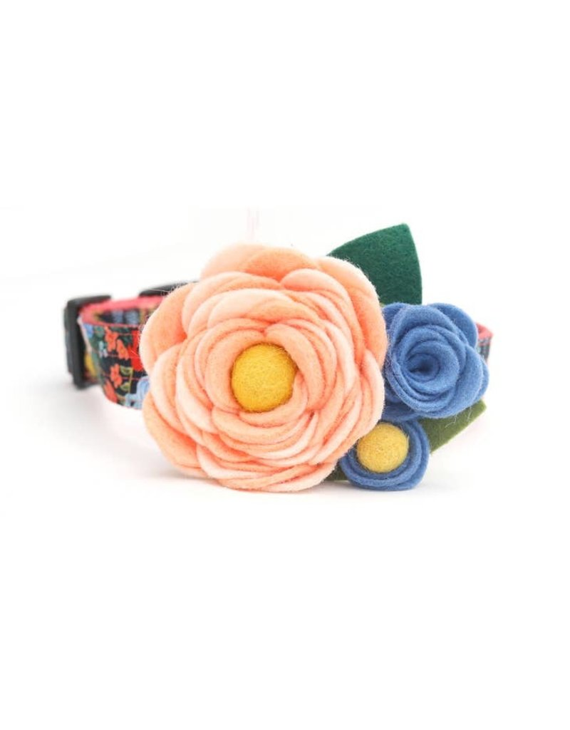 Mimi Green Mae Dog Collar Corsage