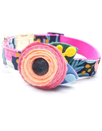 Mimi Green Dog Collar Flower: Fleur