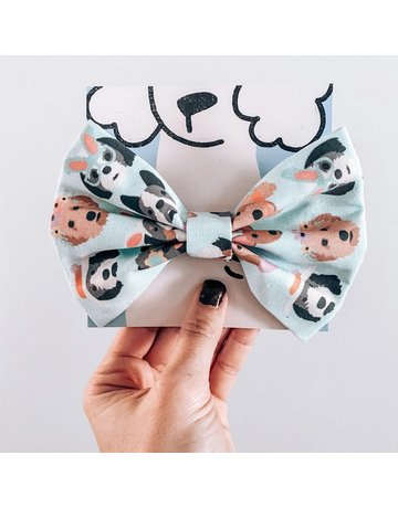 Modern Companion Easter Pups bowtie - blue