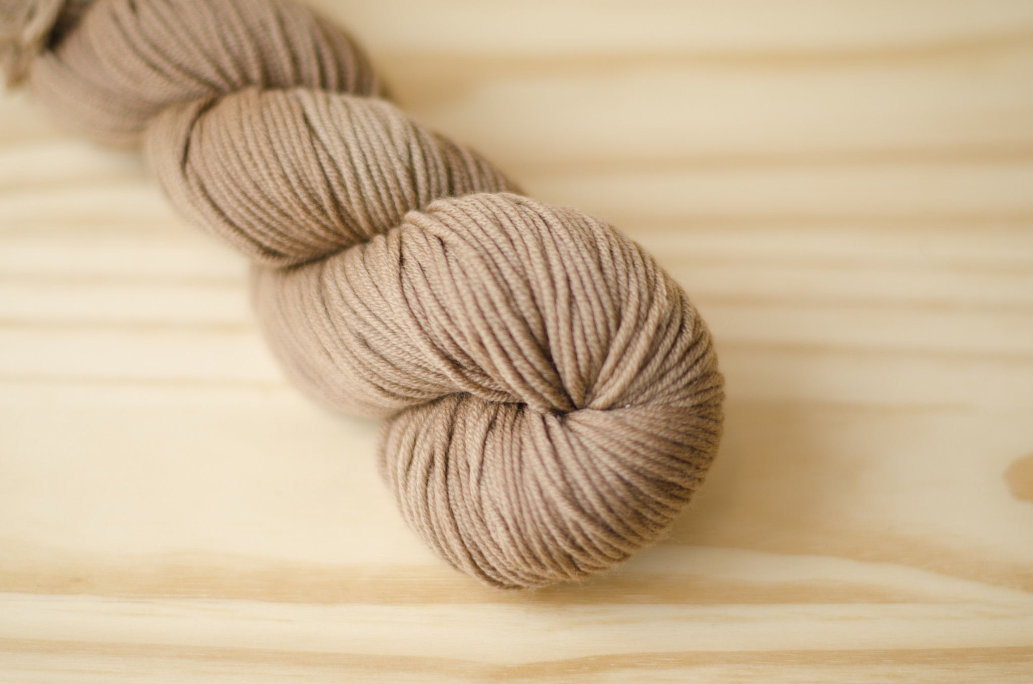 Urth Yarns : Harvest Worsted : 15 Walnut