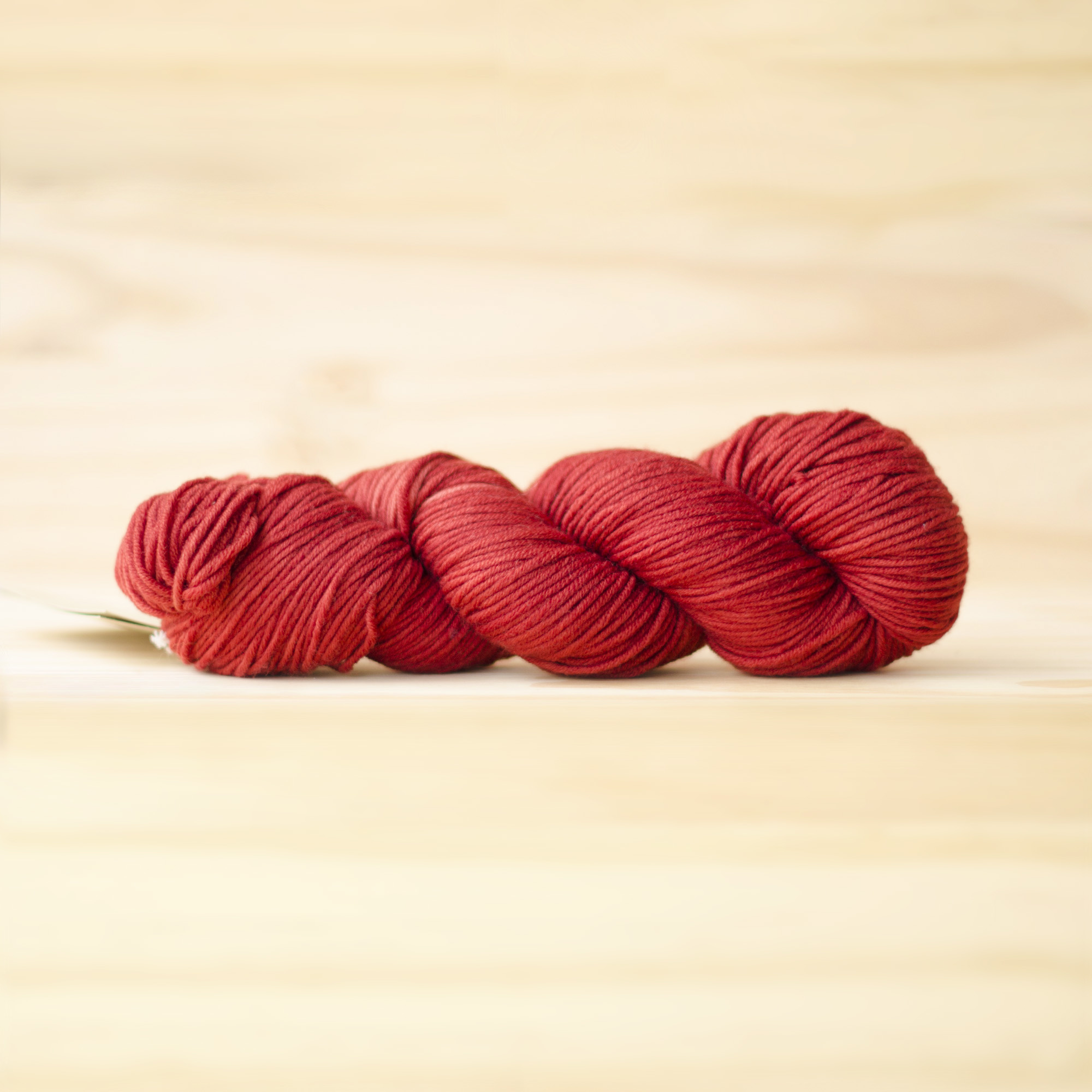 Urth Yarns : Harvest Worsted : 22 Rubia