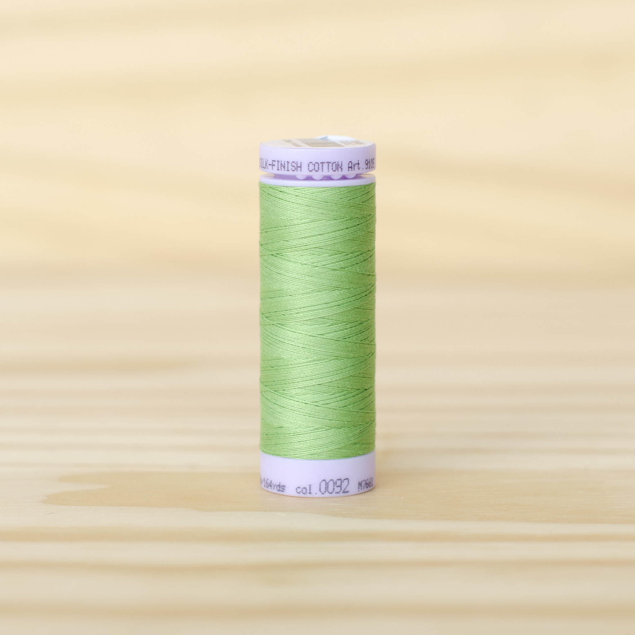 Mettler : Silk Finish 50wt Thread : 100% Cotton : 0092 Bright Mint