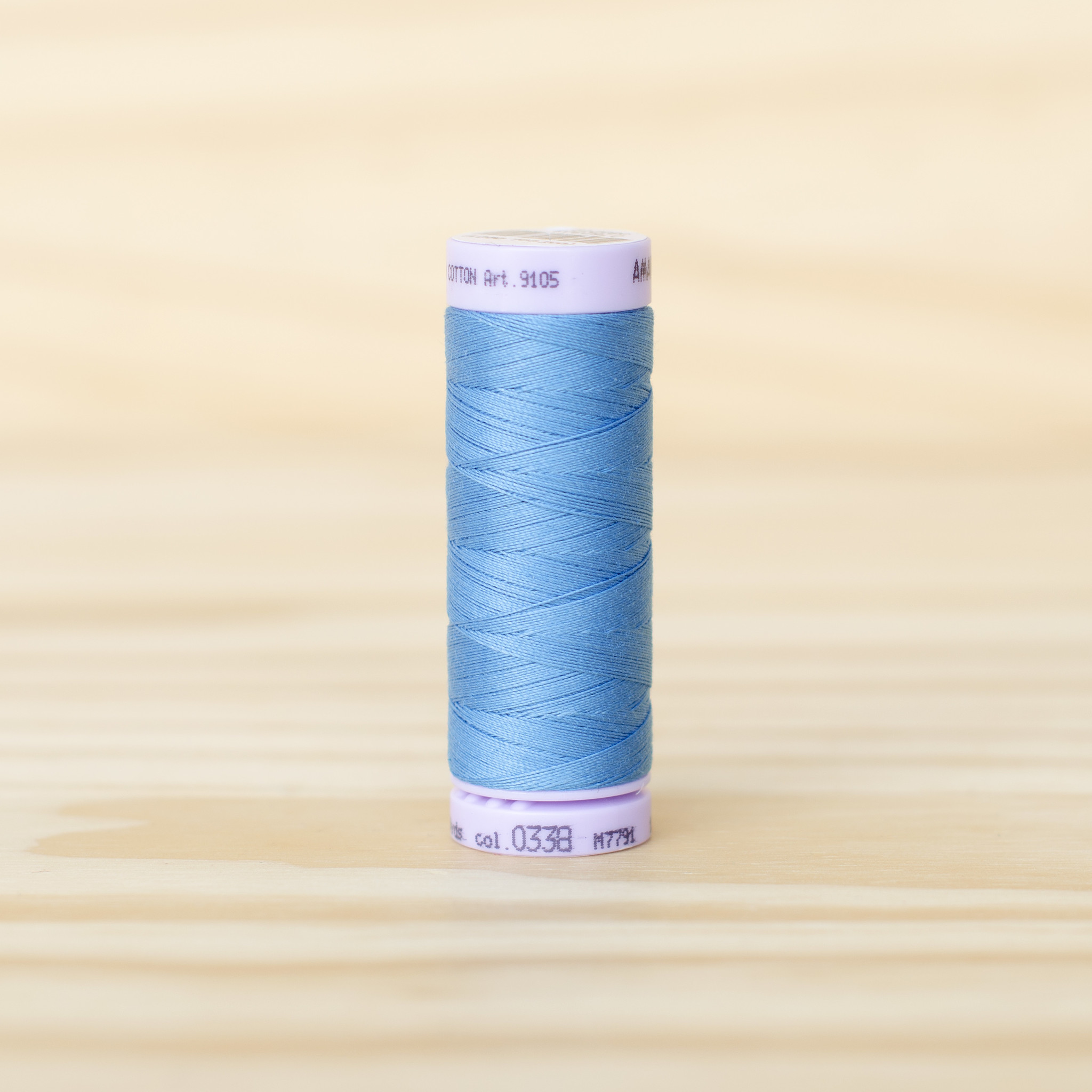 Mettler : Silk Finish 50wt Thread : 100% Cotton : 0338 Reef Blue