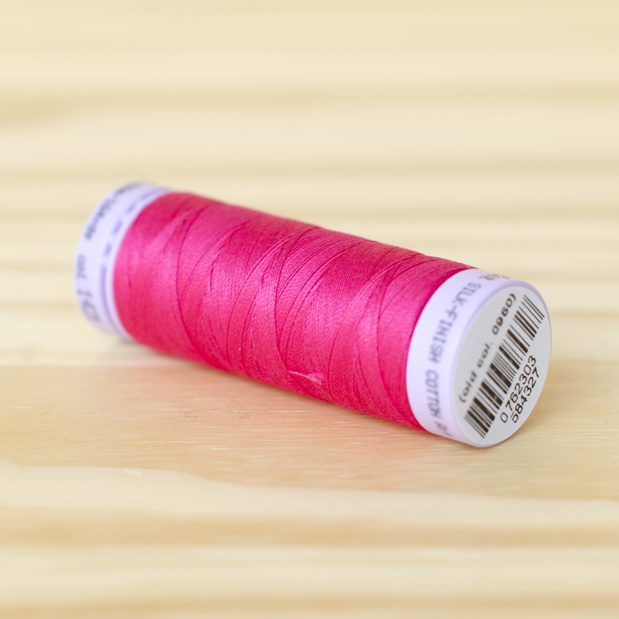 Mettler : Silk Finish 50wt Thread : 100% Cotton : 1421 Fuchsia