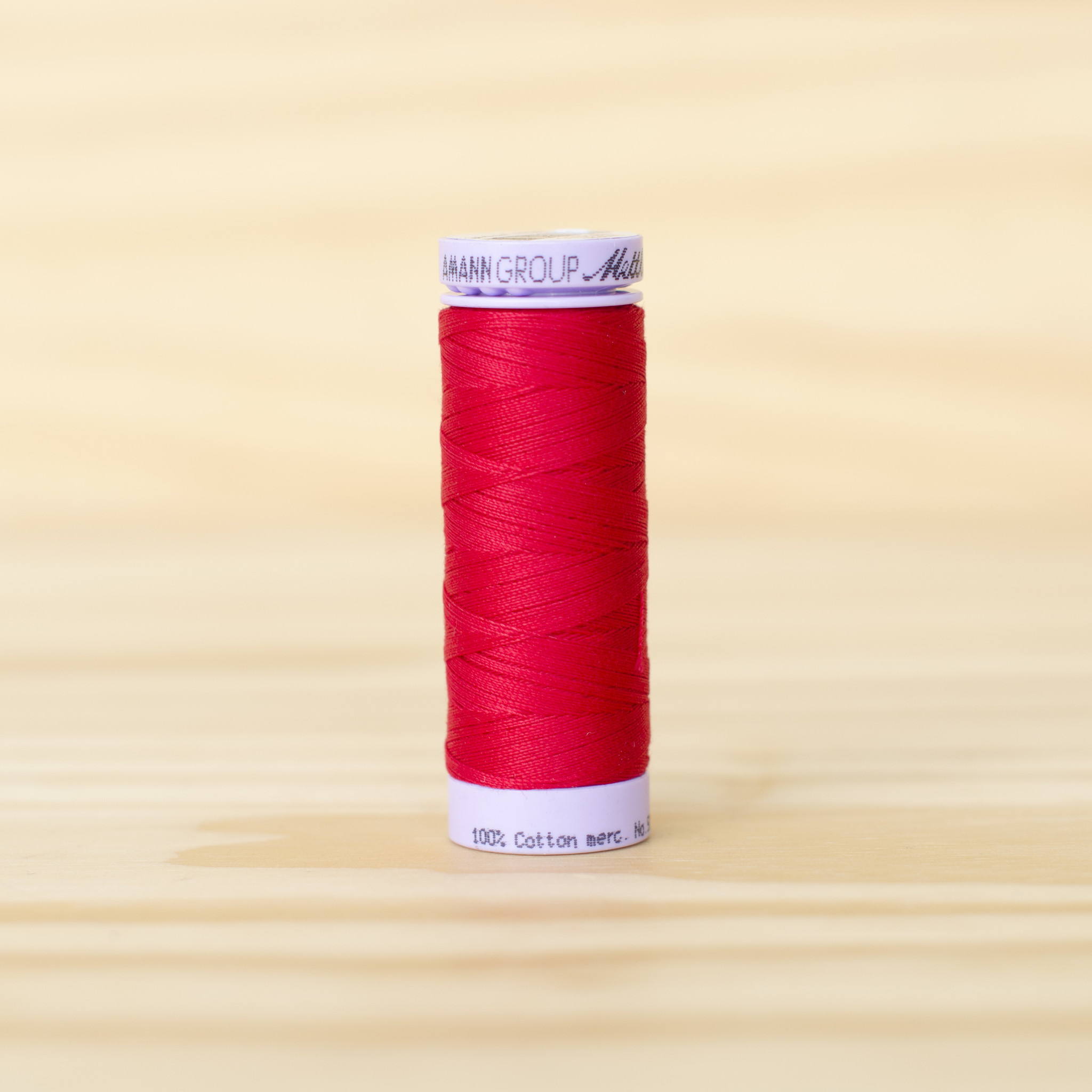 Mettler : Silk Finish 50wt Thread : 100% Cotton : 0504 Country Red