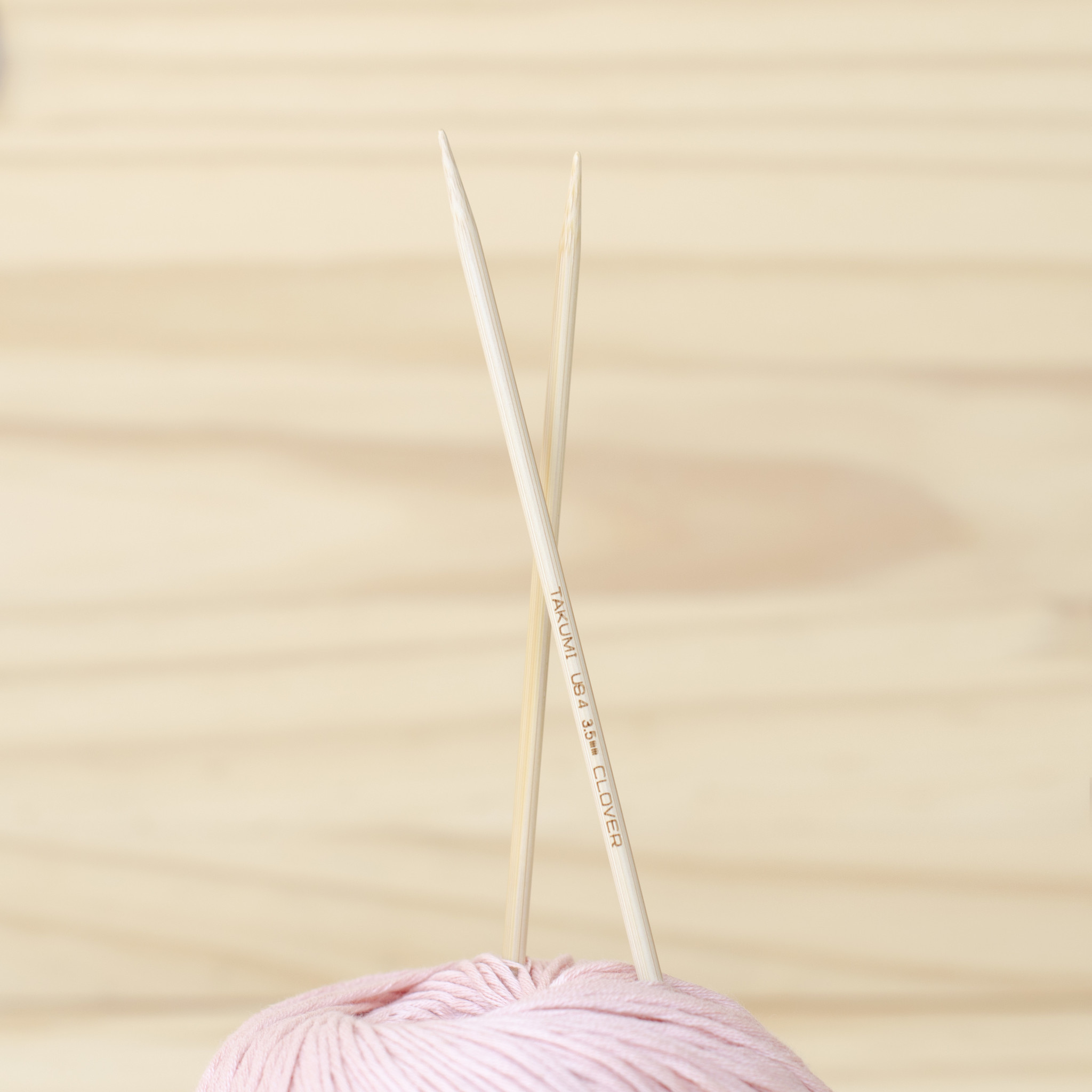 Clover : Bamboo Double Pointed Knitting Needles : 3.5mm