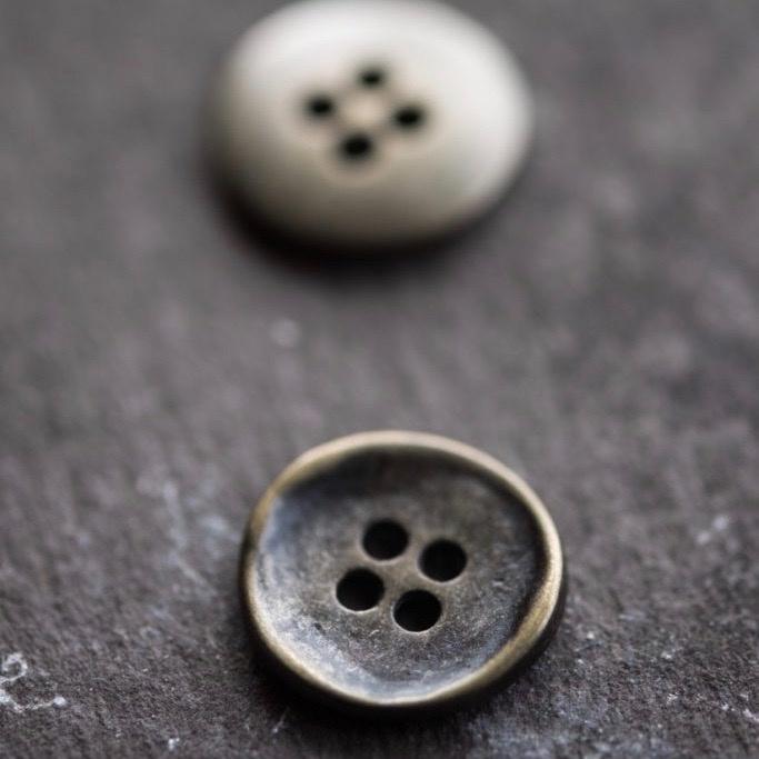 Merchant & Mills : Stamped Button : 15mm