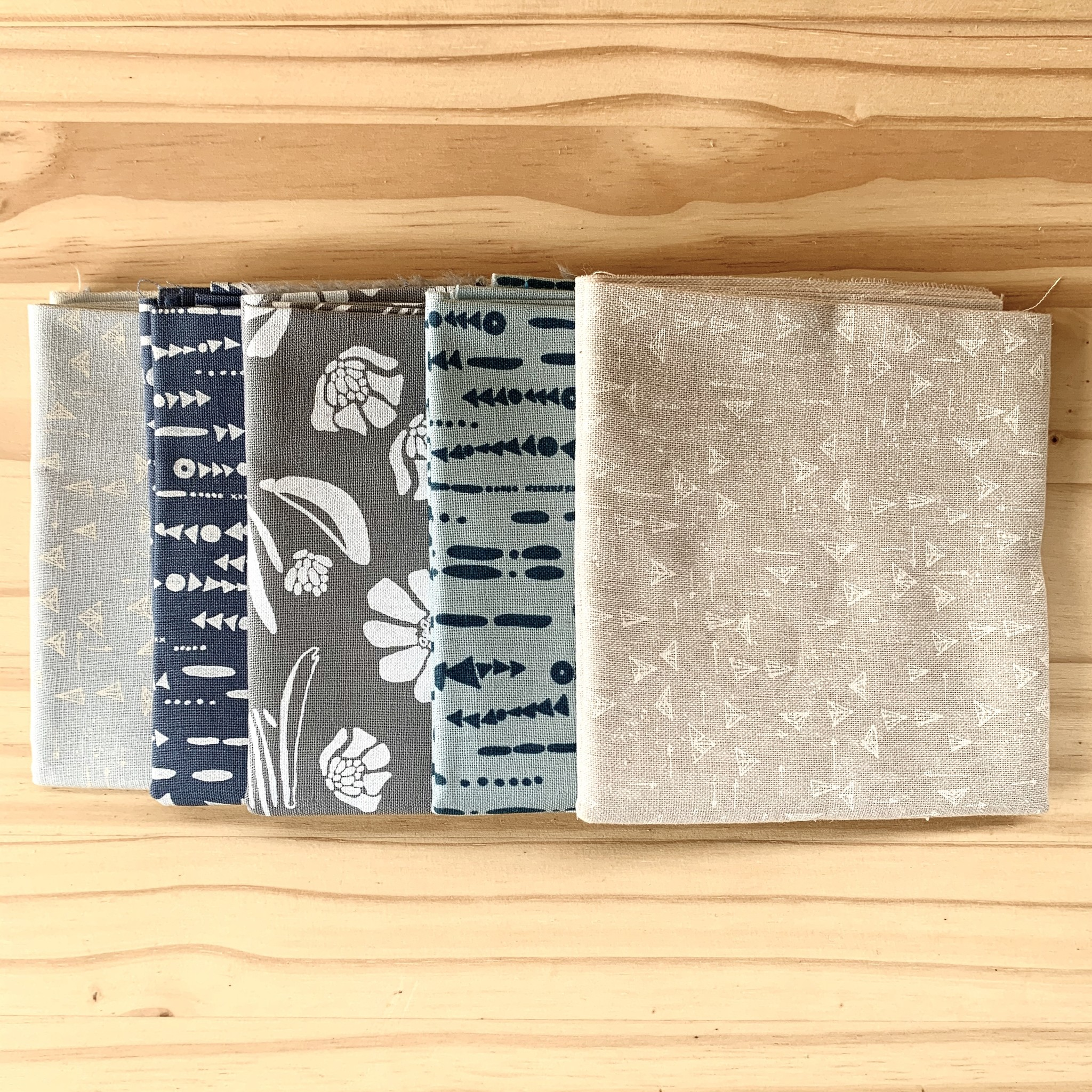 Fat Quarter Bundle : Forage by Anna Graham, 5 pcs.