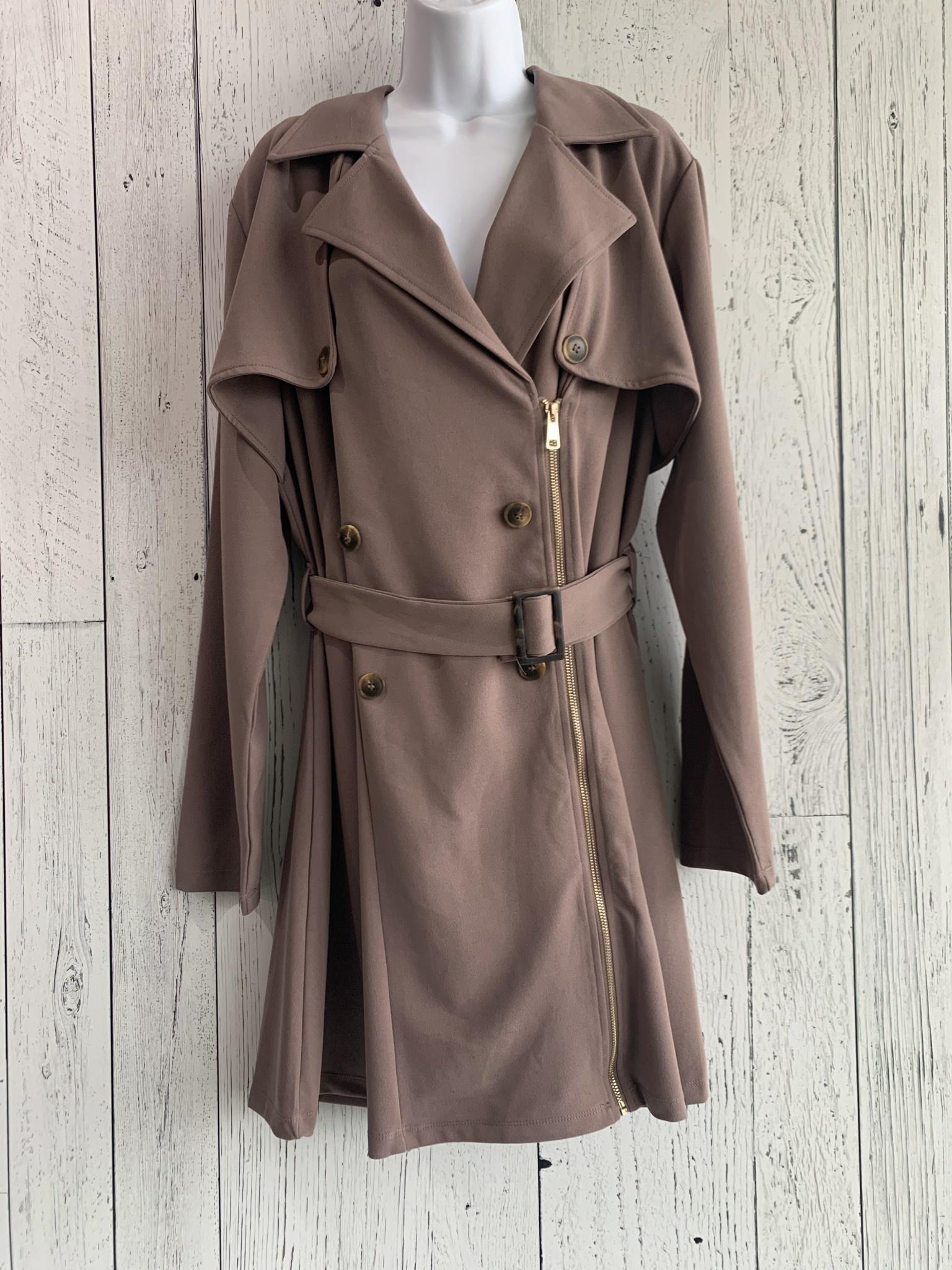 curvy side zip coat