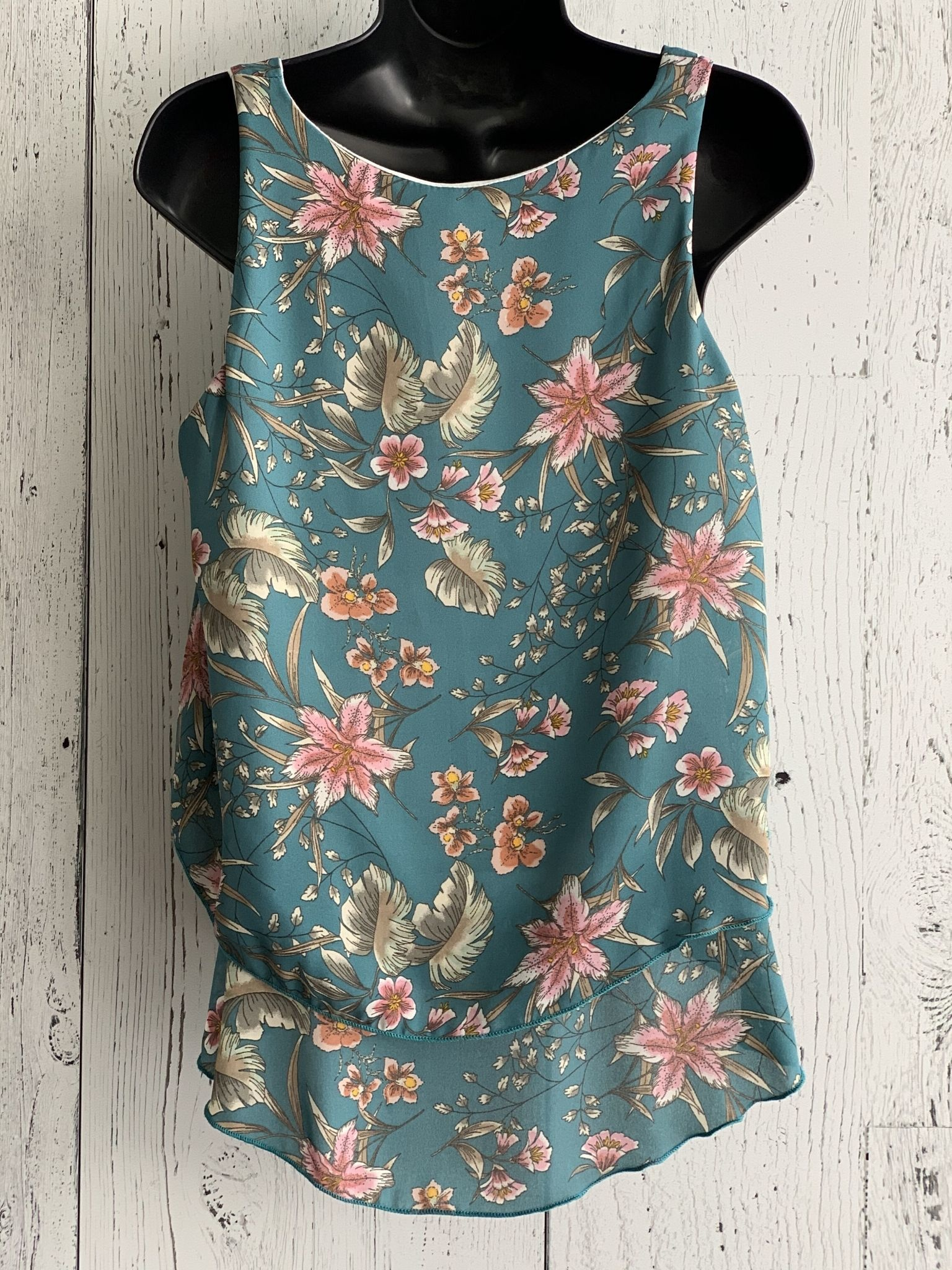 lily print double tiered top