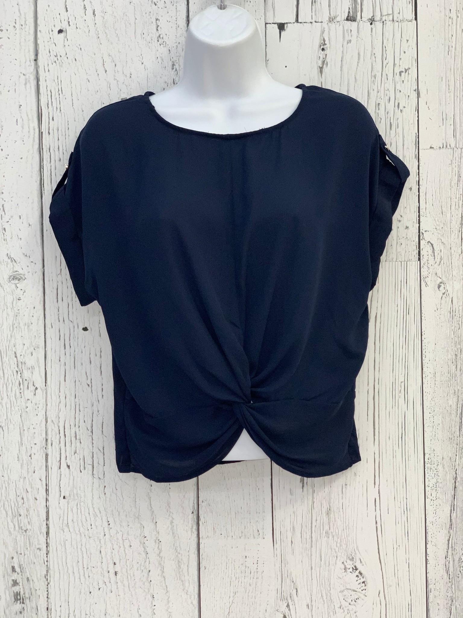 front twist crop top