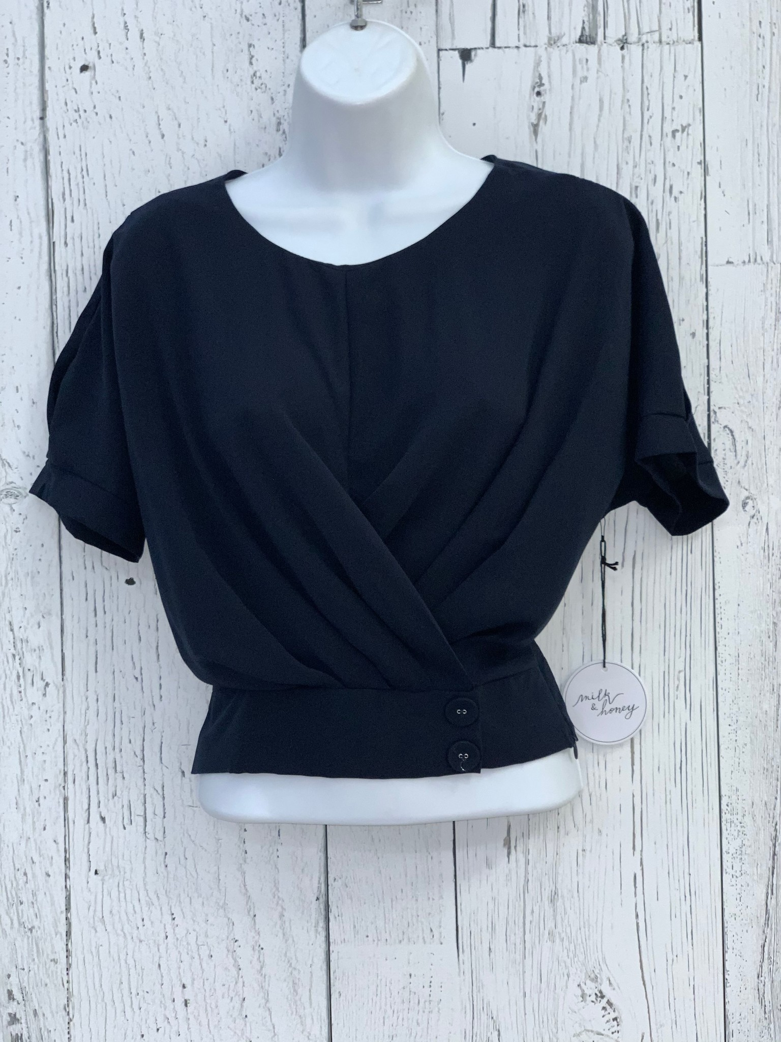 pleated 2 button crop top