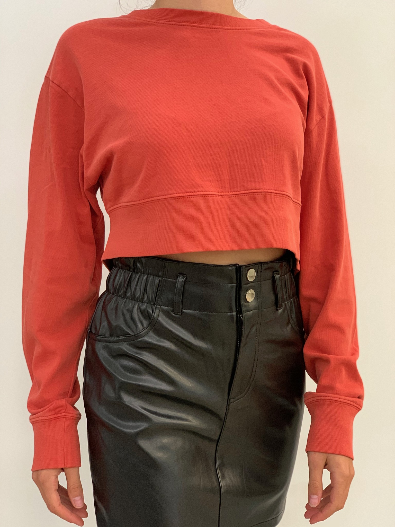 dezzy crop sweatshirt