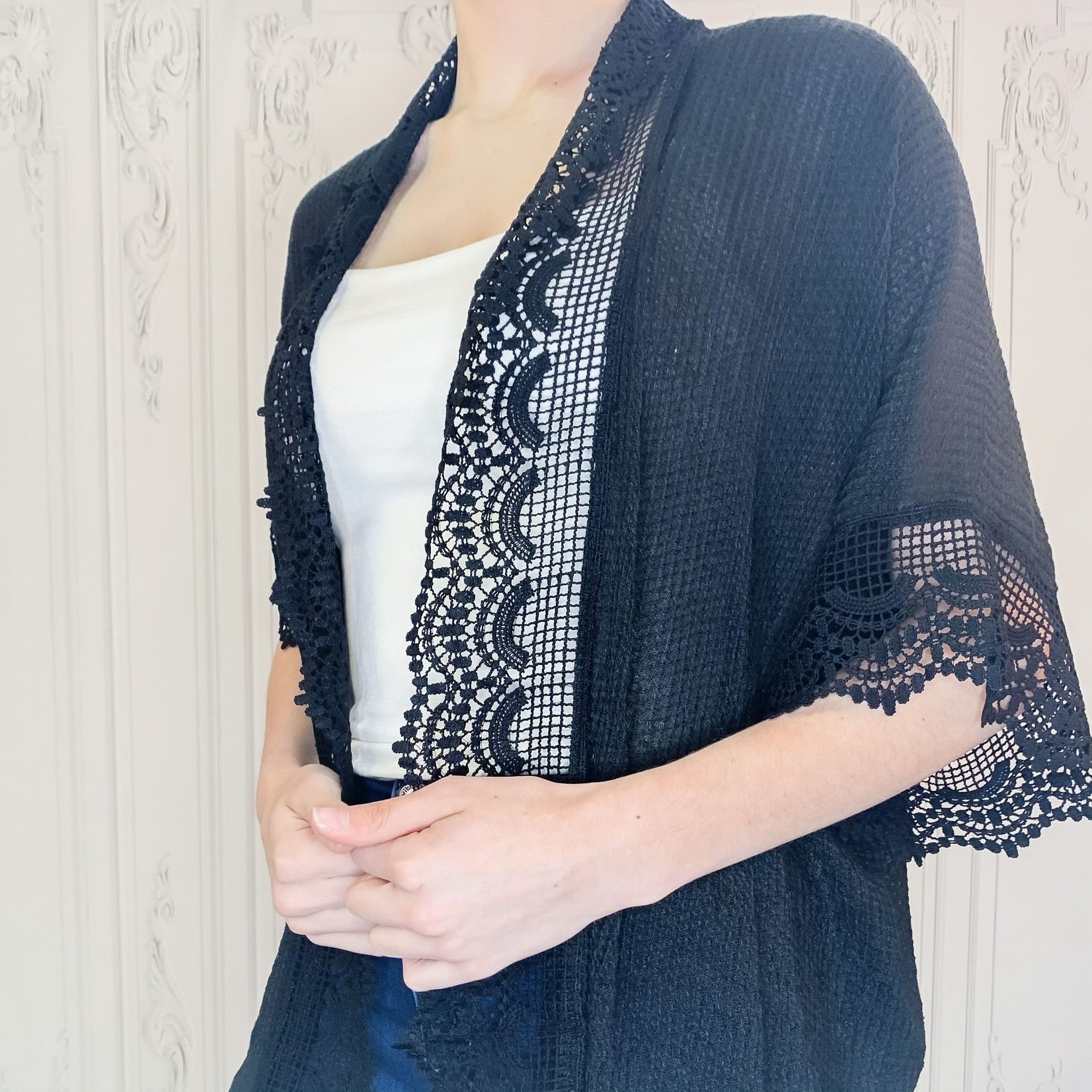 louise scallop lace trim kimono