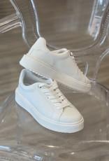 Retain Sneaker