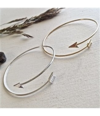 "PIKA & BEAR ""MISGUIDED"" ARROW DESIGN BANGLE"