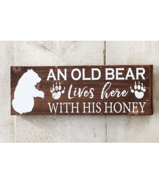 Giftcraft Old Bear Lives Here Wood Wall Sign