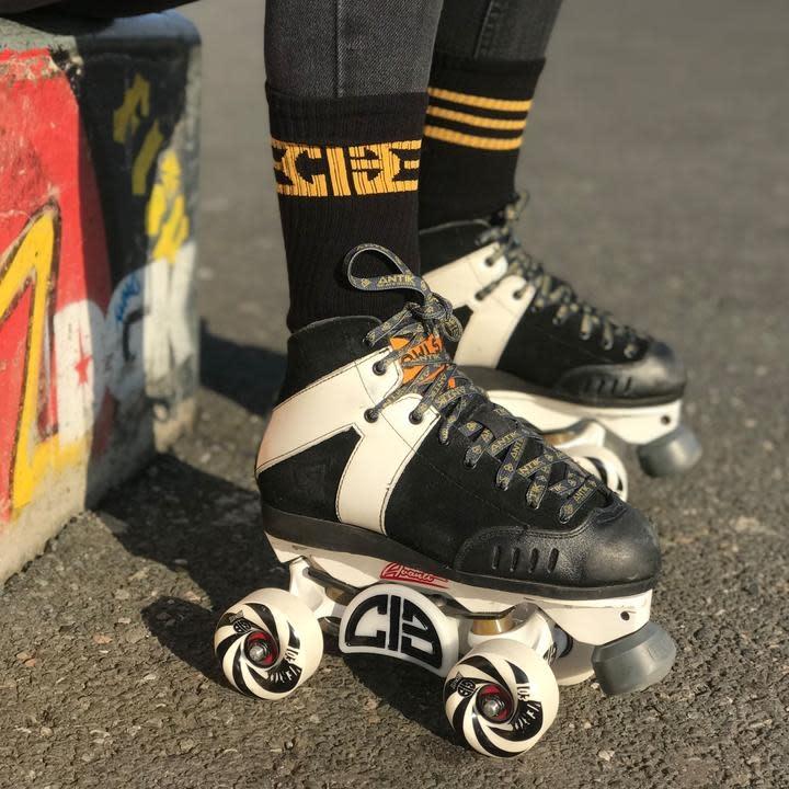 Chicks In Bowls Skate Socks