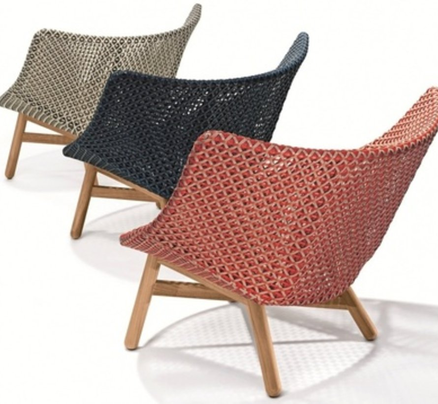 MBRACE LOUNGE CHAIR IN PEPPER