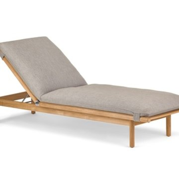DEDON, INC. TIBBO BEACH CHAIR IN TEAK WITHOUT WHEELS