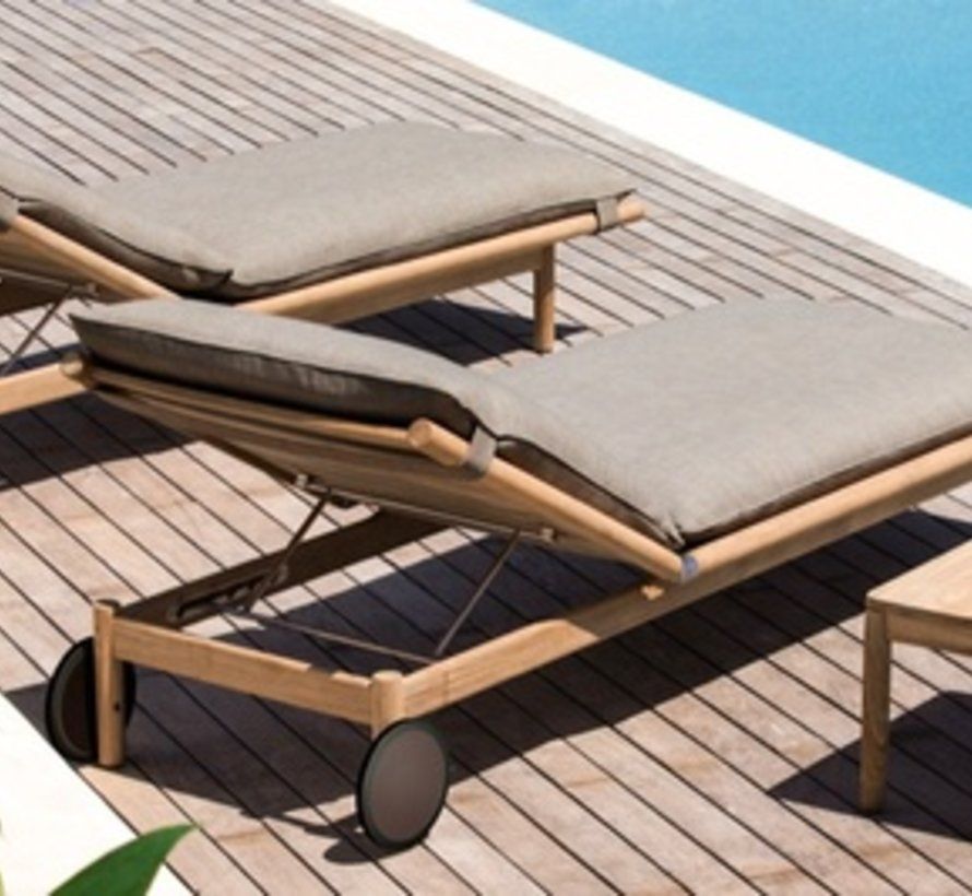 TIBBO BEACH CHAIR IN TEAK WITHOUT WHEELS