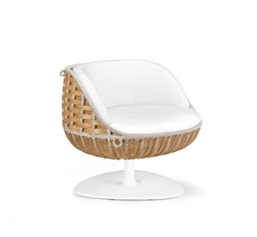 SWINGME LOUNGE CHAIR WITH ROTATING BASE IN COLOR NATURAL