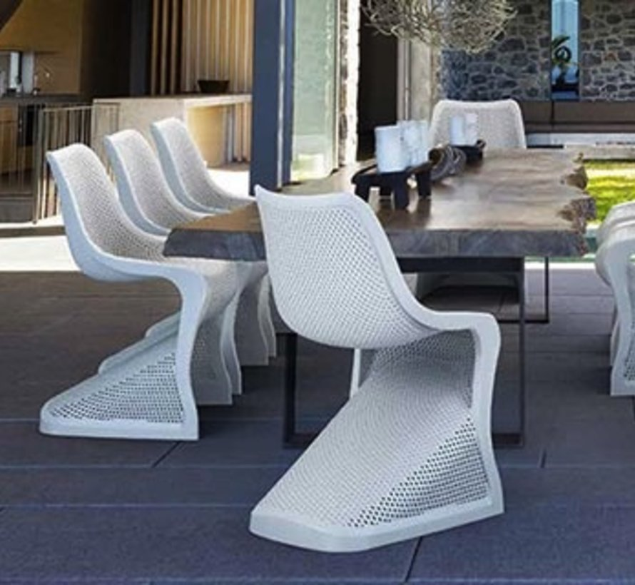 BLOOM DINING CHAIR IN BLACK