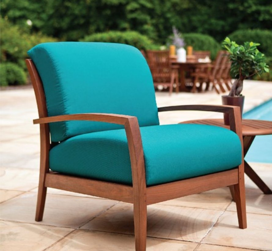 TOPAZ LOUNGE CHAIR