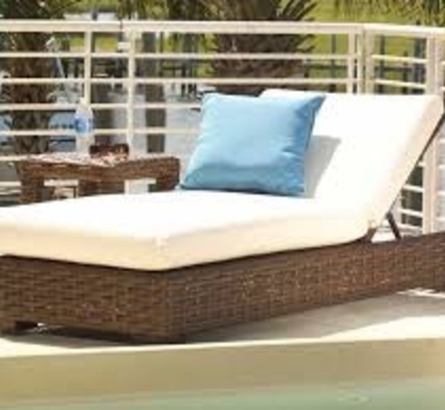 CONTEMPO POOL CHAISE WITH GRADE A FABRIC / NO WELT