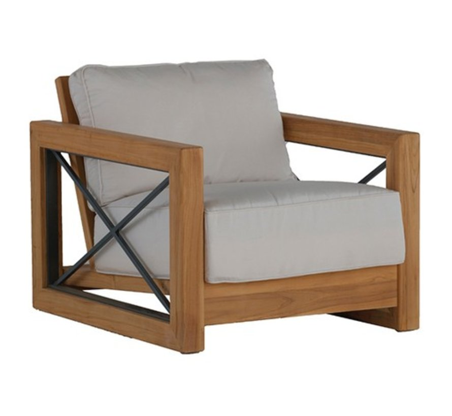 MALTA LOUNGE CHAIR IN NATURAL TEAK
