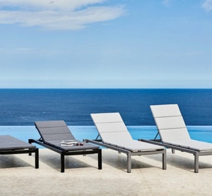 RELAX SUNBED IN GREY ALUMINUM WITH GREY CANE-LINE TEX SLING