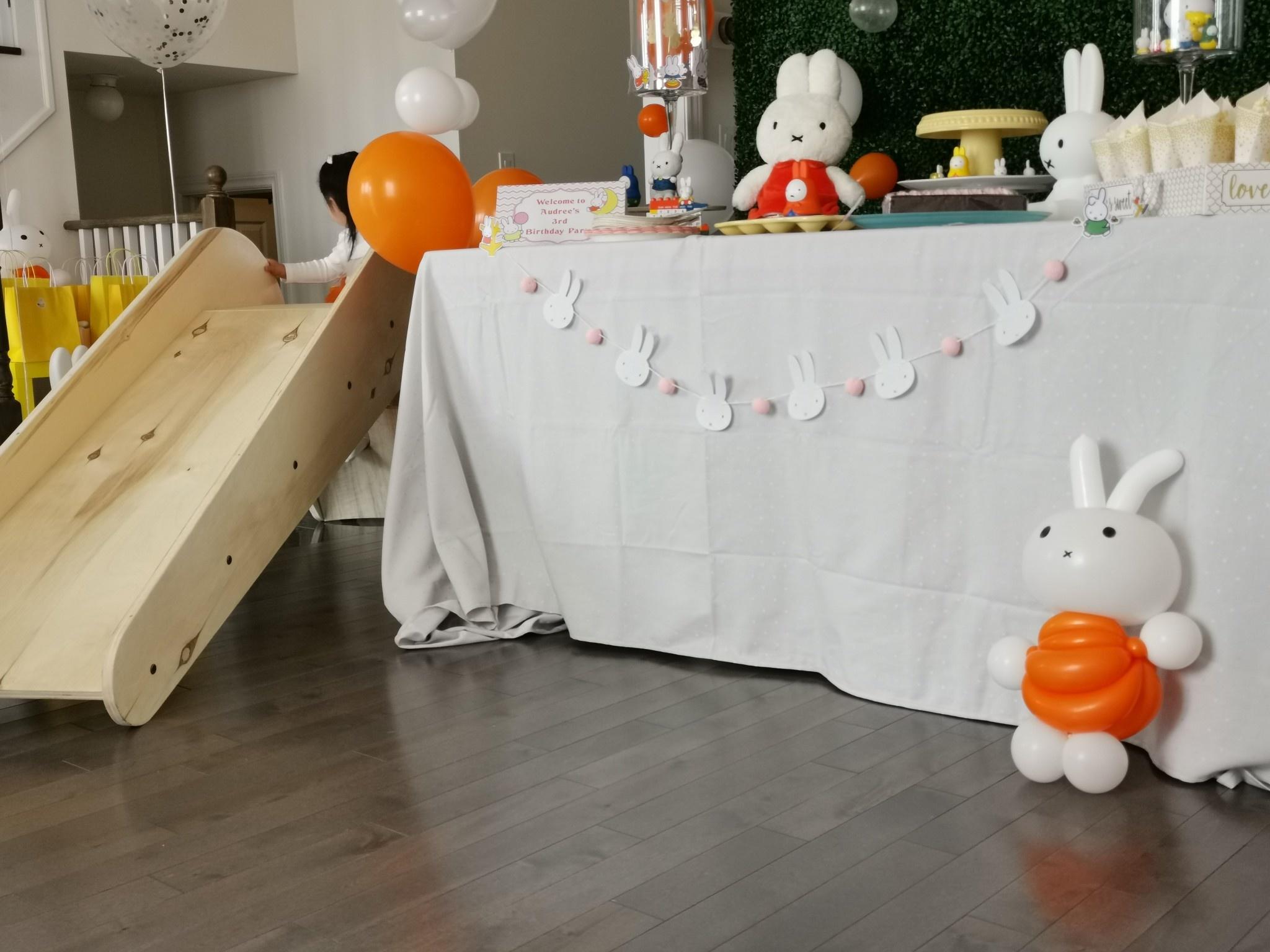 mommiganics Indoor Kid's Wooden Slide
