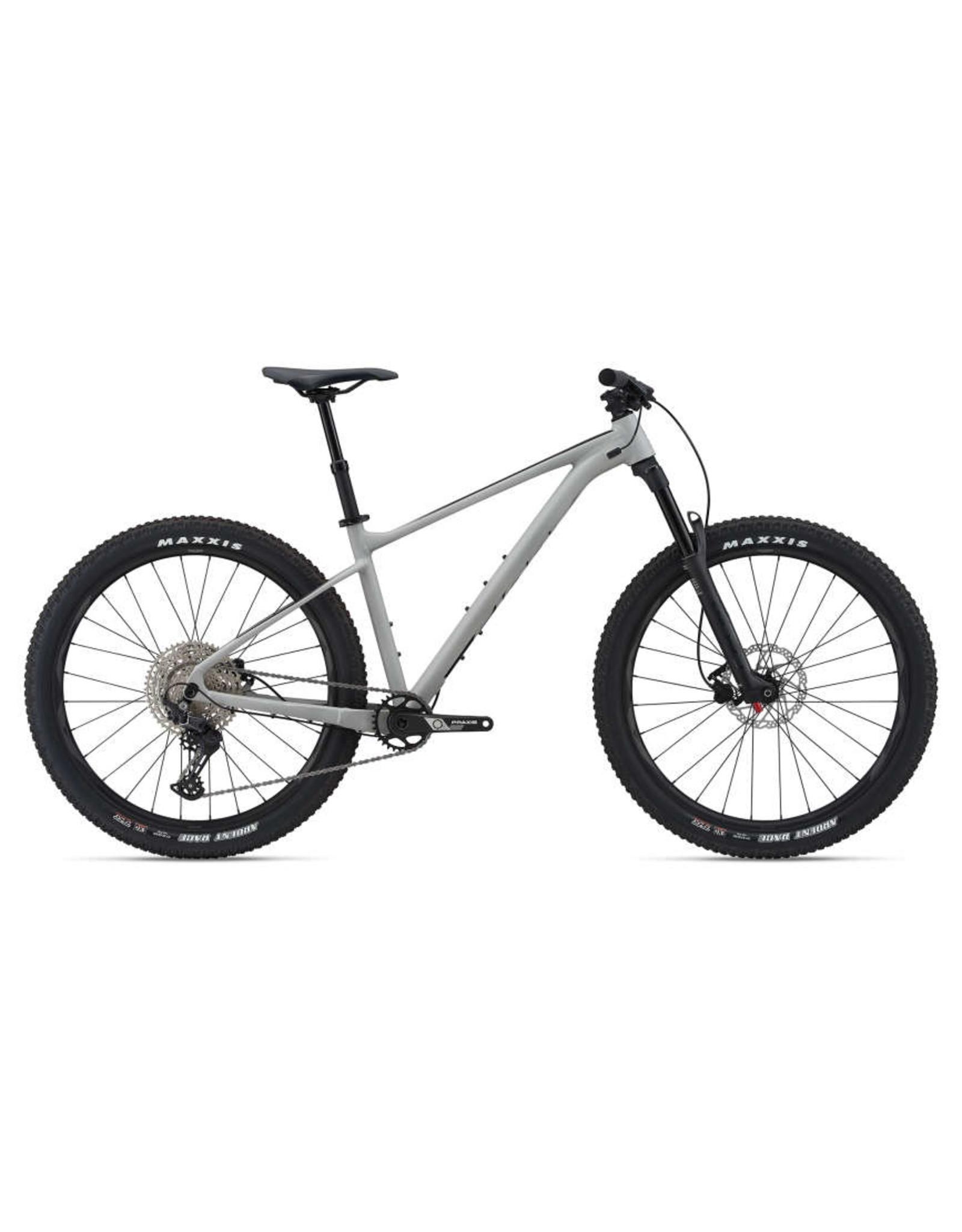 GIANT BICYCLES 2021 Fathom 2 (27.5)
