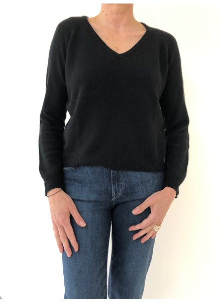 Jumper 1234 Loose Knit Vee Black