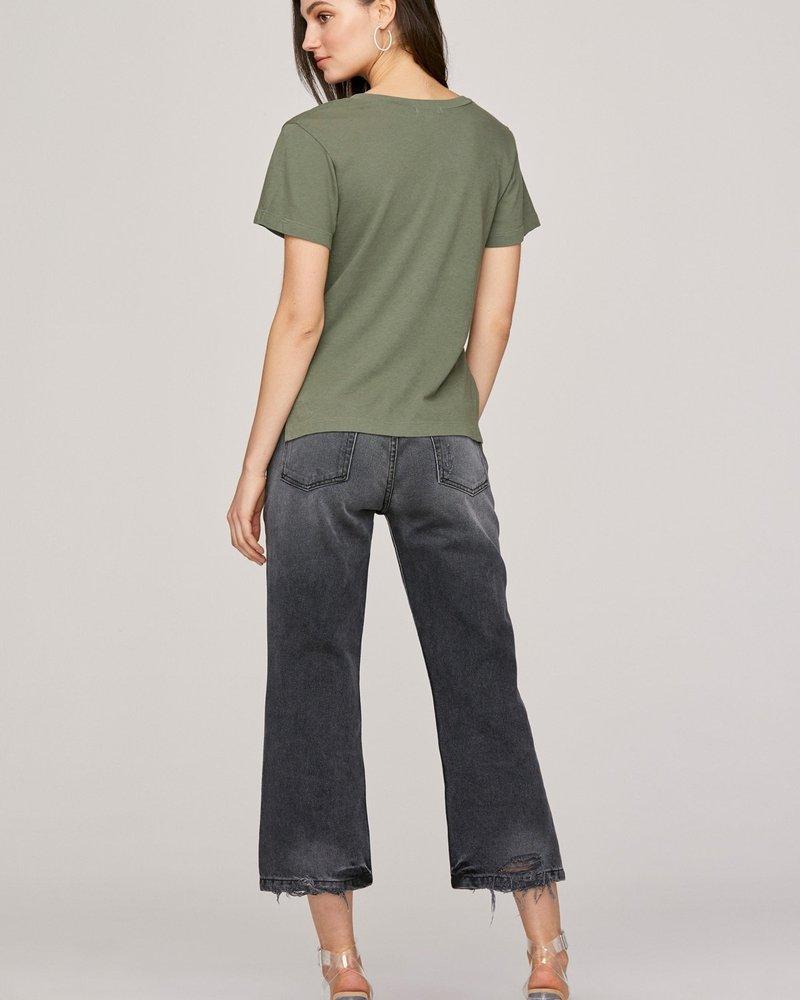 LNA Essential Reese V Neck Green